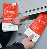(2) Heizspiegel-Flyer am Briefkasten