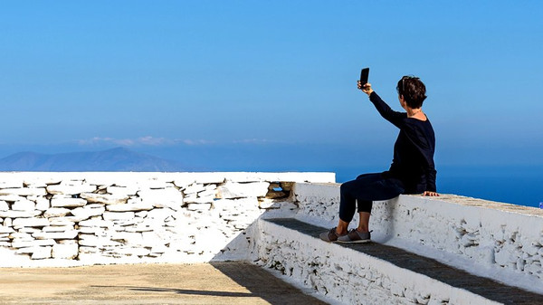 Die Urlaubsselfies der anderen – wieso noch mal sollte man sich dafür begeistern? © Oliver Fahrni/unsplash.com