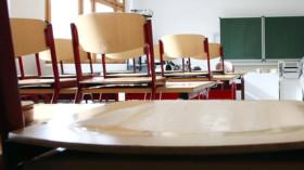 Leere: Klassenzimmer in den Ferien © Bodo Schackow/dpa