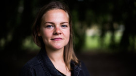 """""""Seit ich zu Hause ausgezogen bin, finanziere ich mein Leben selbst"""", sagt Chiara. ©Lucas Wahl für ZEIT ONLINE"""