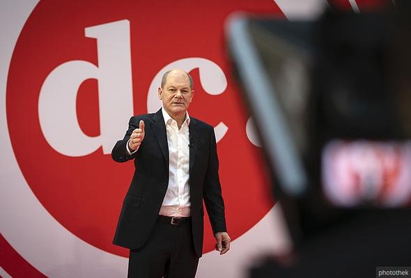 Olaf Scholz bei seiner Rede auf dem Debattencamp 2020
