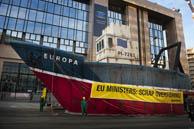 Protest gegen die Überfischung vor dem EU-Ratsgebäude