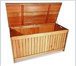 Merxx                                                           Kissenbox aus                                                           Eukalyptusholz<br                                                           /><br                                                           /><br                                                           />