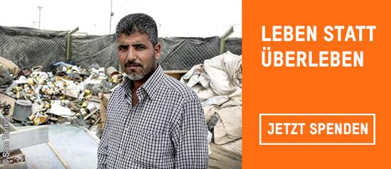 """Jasem Al-Wrewir arbeitet im Flüchtlingscamp Zaatari im Abfallmanagement. Über Oxfams Programm """"Cash for work"""" erhält der Syrer dafür ein kleines Einkommen – und hat endlich wieder eine Aufgabe, die ihn ausfüllt."""
