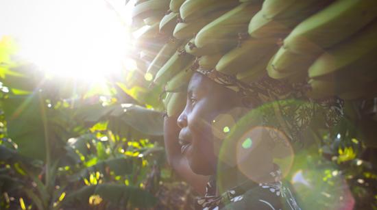 Gemeinsam mit Betroffenen und Gewerkschafter/innen vor Ort setzt Oxfam sich für menschenwürdige Arbeitsbedingungen ein.